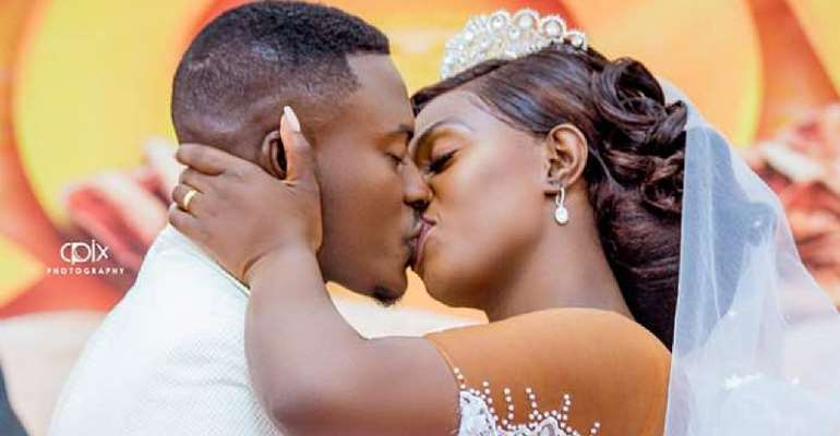 Mr Gyans of Twens fame marries Linda Antwi