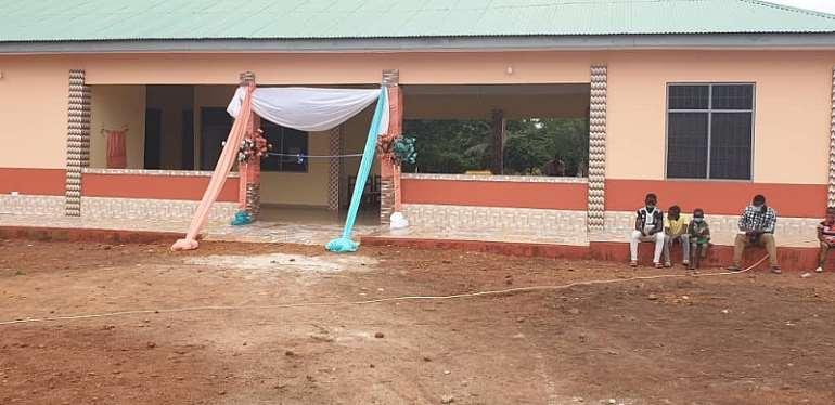 Tain: Deputy Bono Regional Minister Commissions Four Clinics