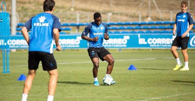 Mubarak Wakaso: Midfielder Returns To Training Ahead Of La Liga Opening Weekend