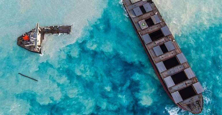 Japan stumps up second disaster relief team for Mauritius oil spill