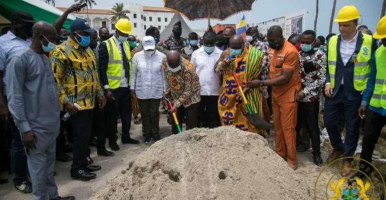 Akufo-Addo Cuts Sod For Elmina Fishing Port Project