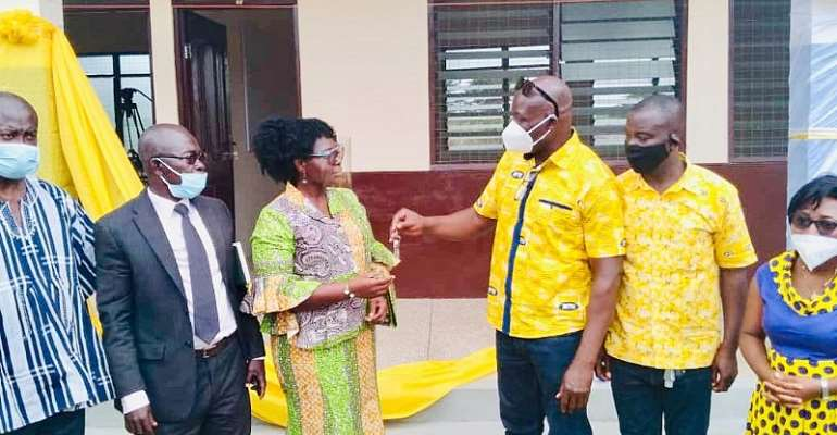 Chiefs And People Of Nhyiaeso Laud MTN For 6-Unit Classroom Block
