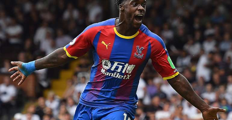 OFFICIAL: Jeffrey Schlupp Extends Crystal Palace Contract