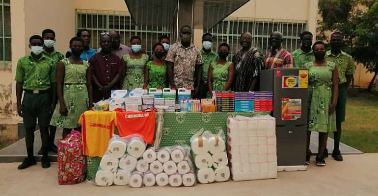 Christian Methodist Old Students Association '1993' Year Group donates to alma mater