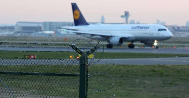 Lufthansa aircraft at Frankfurt Airport: More than 7,000 foreigners were deported from Germany in 2018