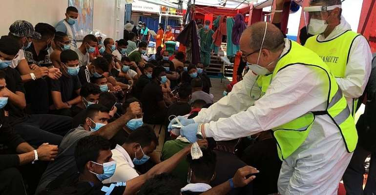 Fears grow in Sicily over migrants infected with Covid-19