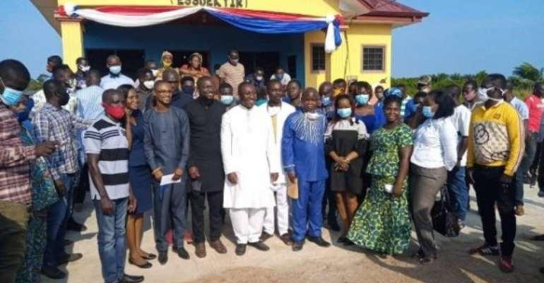 Afenyo-Markin Builds, Hands Over Library To Effutu Essuekyir