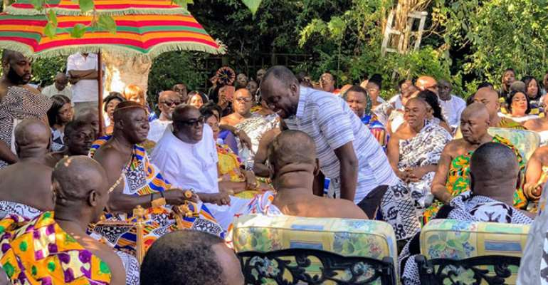 Otumfuo sitting in state in London