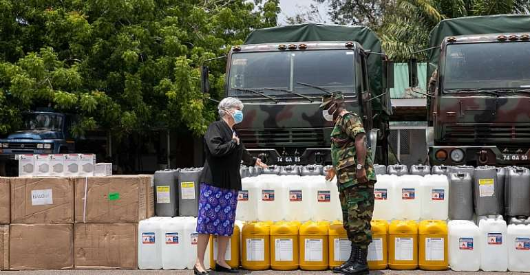U.S. Ambassador to Ghana Stephanie S. Sullivan hands over the medical supplies to Chief of Defense Staff Lt Gen Obed Akwa at Burma Camp Donation August 2020-7