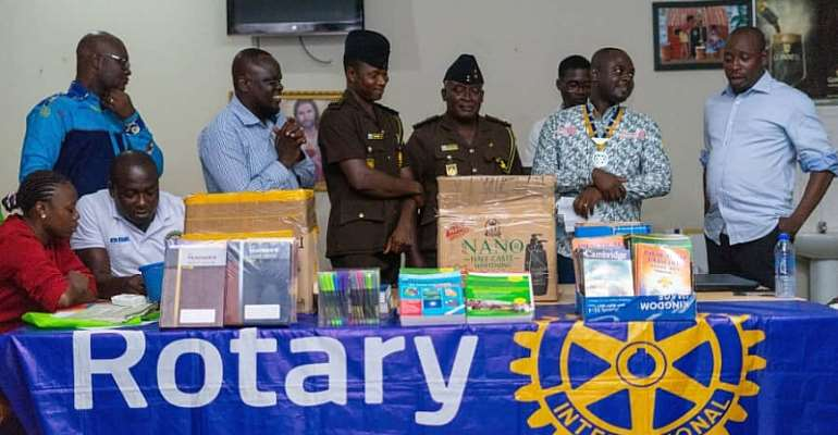 Rotary Club Gives To Sunyani Prisons