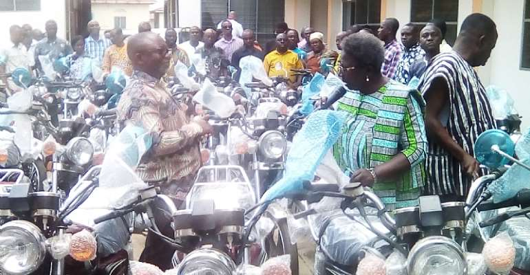 E/R: Assembly members receive motorbikes with a call to be proactive