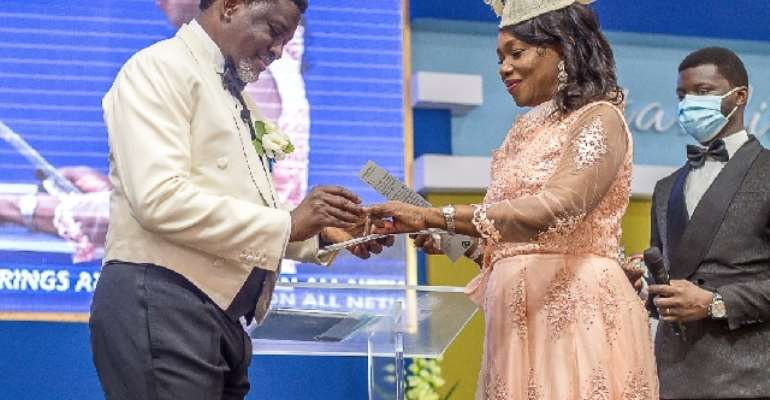 Agyinasare, Wife Celebrate 35years Of Marriage, Renew Vows
