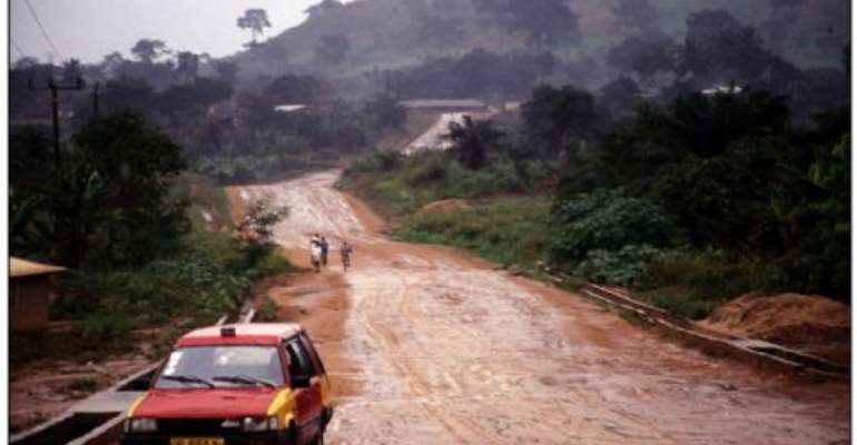 Abura Chiefs call for the rehabilitation of link road