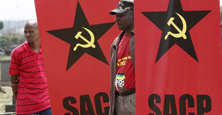 South African Communist Party members have held key positions in the ANC-led governments.  - Source: EFE-EPA/Kim Ludbrook