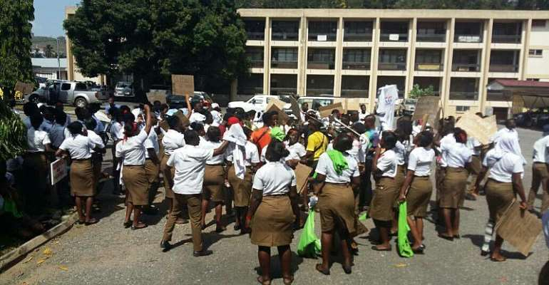 Until Allowances Are Paid Us, We Won't Write Our Exit Exams  – School Of Hygiene Students