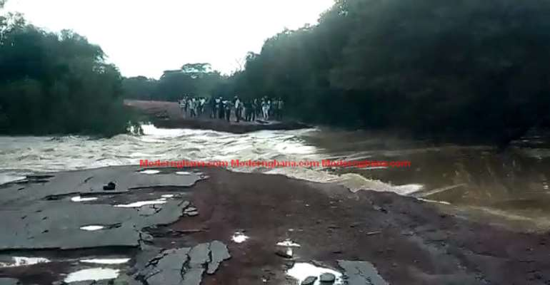 Video: White Volta Flood Divides Bawku, Bolga; No Movement
