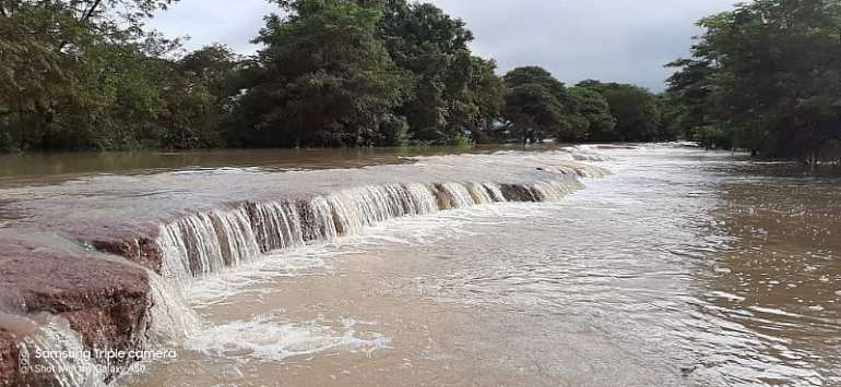 Bagre Dam Spillage: Residents Living In Fear And Counting Losses!