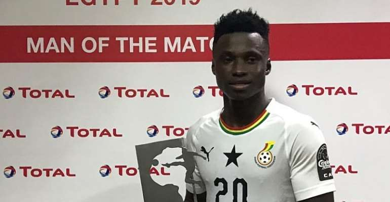 Evans Mensah with a Man of the Match award at last year's U-23 AFCON.
