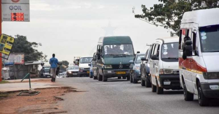 Police impound 10 vehicles for flouting road traffic regulations