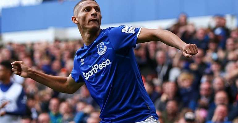 Electric Everton Edge Wolves
