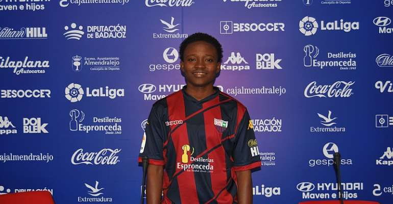 Lily Niber-Lawrence Joins Spanish Side Extremadura Femenino [PHOTOS+VIDEO]