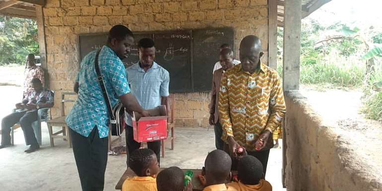 Aowin MCE Marks 'My First At School' With Distribution Of Uniforms