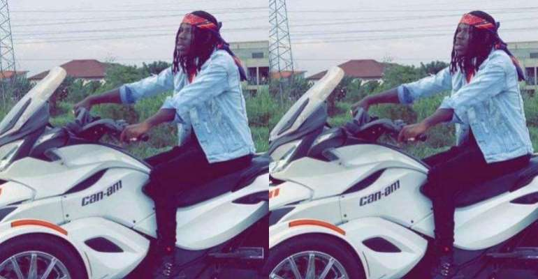 Watch How Stonebwoy Arrived For The Asaase Sound Clash Battle In Style (Video)