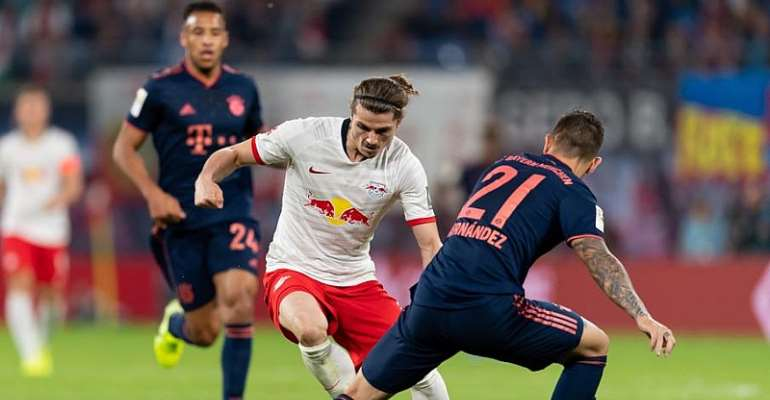 Bayern, Dortmund execs exchange insults as title race gets ...  |Bayern-dortmund