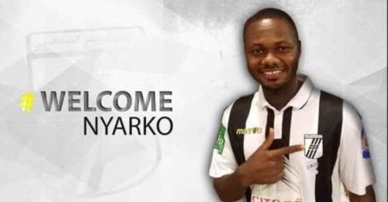 Stephen Nyarko: Kotoko midfielder joins Tunisian giants