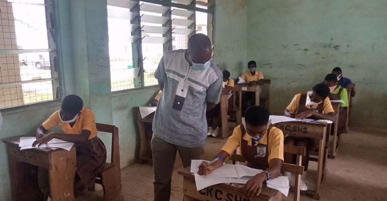 Pass Your BECE And Enjoy Free SHS---Obuasi East DCE To Candidates