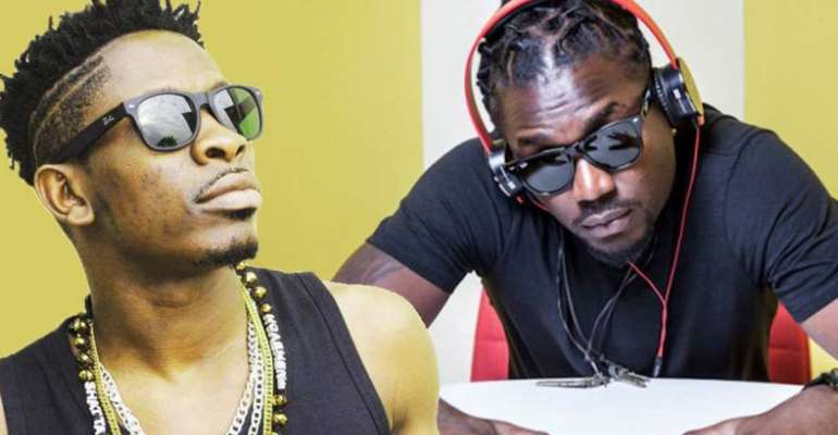 You tarnish everybody's image just to elevate yours, stop dey fool – Samini jabs Shatta Wale
