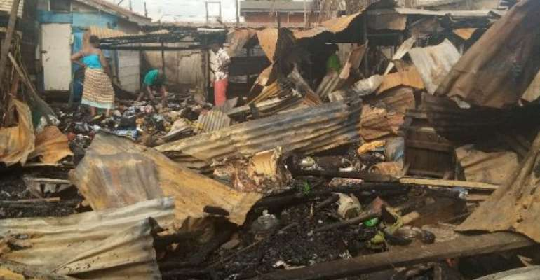 Fire destroy structures in Ashaiman