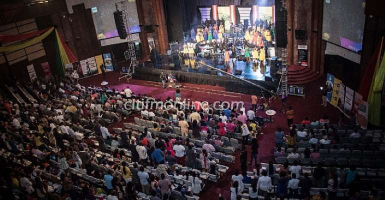 Night of praise and worship at Sing Out 2016 [Photos]