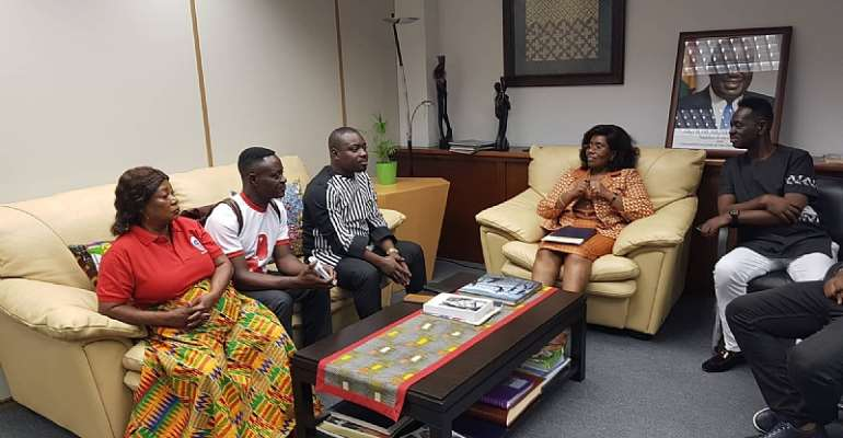 [VIDEO] Legendary Yaw Sarpong Pays A Courtesy Call On Ghana's Ambassador To Spain
