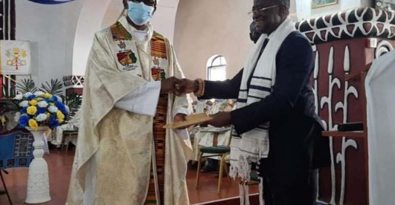 Bawumia donates Ghc20,000 for maintenance of 101-year-old church in Navrongo