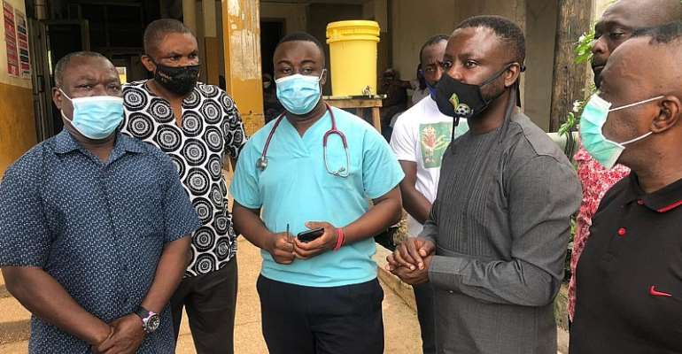 Ghana FA Delegation Visits Offinso Accident Victims At KATH