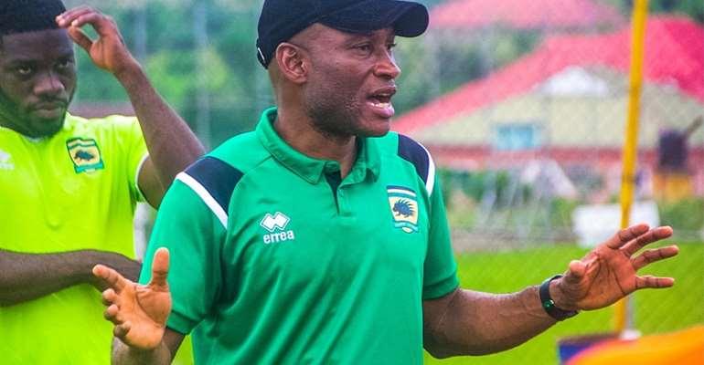 PHOTOS: New Asante Kotoko head coach Prosper Narteh meet players for the first time