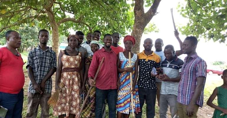 OTI  Regional Organiser (OTI Abu) Joined The Krachi East Constituency Organiser For A Clean Up Exercise