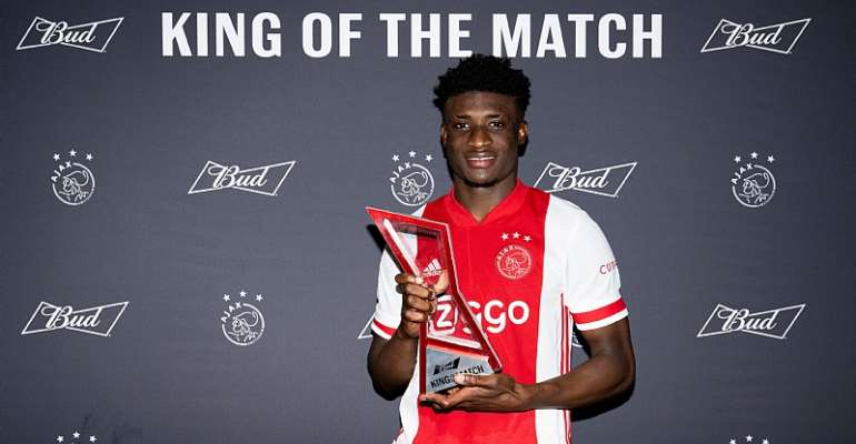 Ajax forward Mohammed Kudus with his MoTM award after impressing in the team's 3-0 win against Heracles