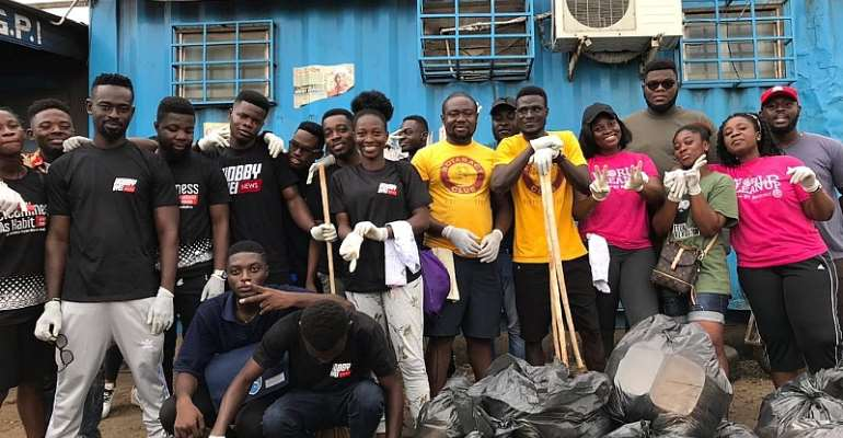 Kobby Kyei And Fans Organise Cleanup Exercise At Kaneshie Lorry Station