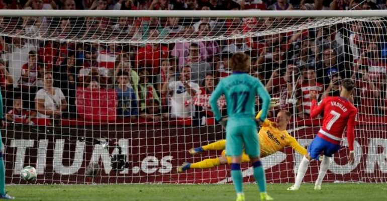Granada Stun Barca To Go Top Of La Liga