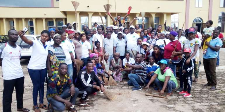 Sunyani Presby Leads Clean Up Exercise Campaign