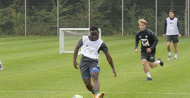 Clinton Antwi having his first training session at Esbjerg fB