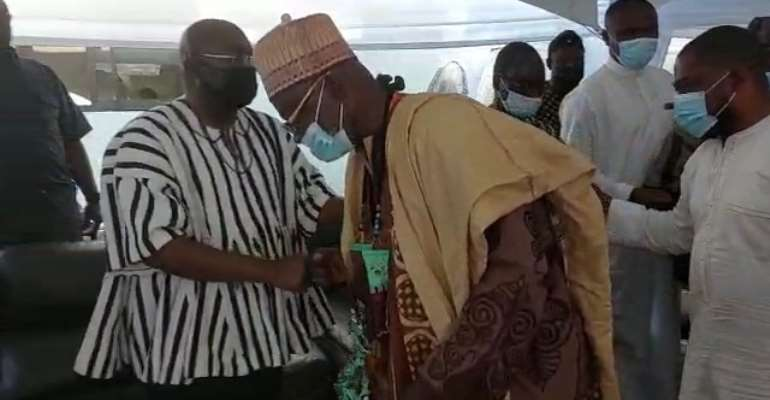 Accra Zabarma Chief visit Bawumia to console him over death of mother