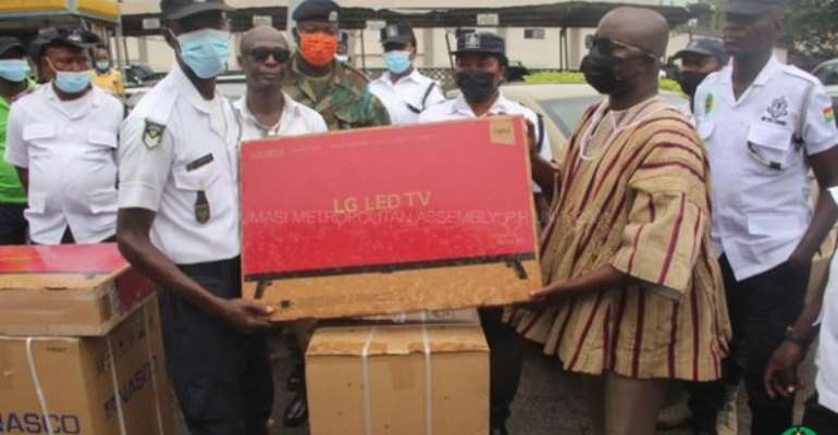 Demonstrate diligence and honesty in your work – Outgoing KMA boss to metro guards