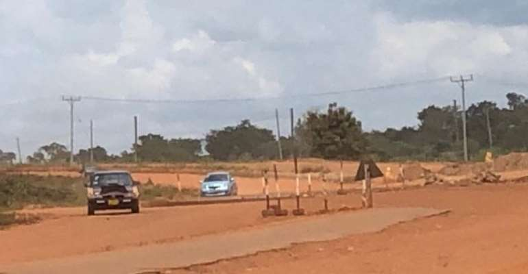 The abandoned dual carriage road from Sokode to Ho.