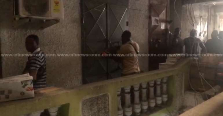 Nigerian traders open shops locked-up by GUTA at Opera Square