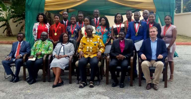 The graduands in a group photograph with John Kufuor, Justice Wood, Bishop Charles Agyinasare of Perez Dome, Chief Executive of JAK Foundation, Prof. Baffour Agyeman-Duah