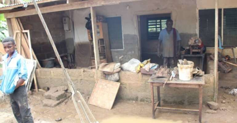 E/R: Family of six narrowly escape death in devastating flood