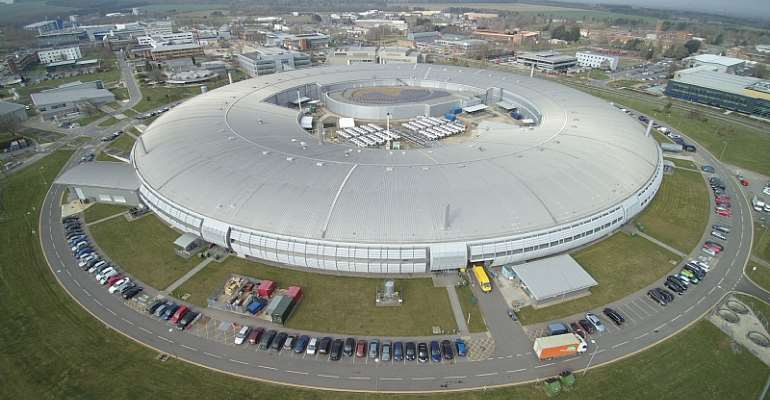 Aerial view of the UK's national synchrotron, Diamond Light Source Ltd (Diamond) on the Harwell Science and Innovation Campus in Oxfordshire, - Source: ©Diamond Light Source